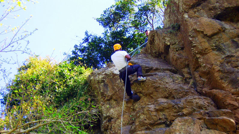 Abseil-Point-Yellow-Helmut
